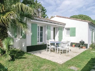 Stunning home in Ste Marie de Re w/ WiFi and 2 Bedrooms
