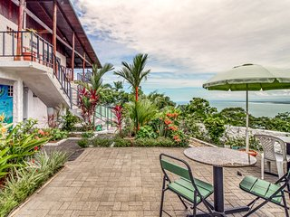 Hilltop apartments w/mountain & ocean views, patio and terraces!