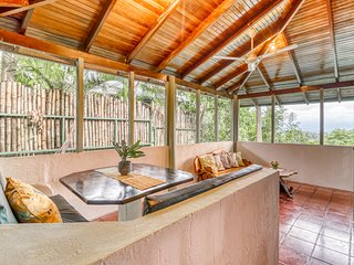 Inviting dog-friendly villa in Manuel Antonio w/ terrace-common area