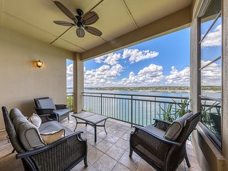 Enjoy gorgeous Lake Travis views from the balcony! Marina and spa nearby!