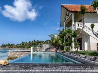 4 BR villa with pool and seaviews in Nusa Ceningan