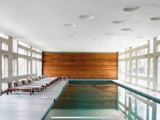Amazing view + pool + gym + parking