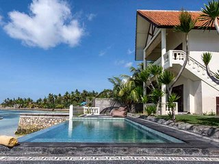Seaweed Villa Ceningan : 4 BR villa with pool and seaviews