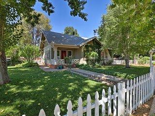 Cozy Kanab Cottage w/Patio - Walk to Main St!