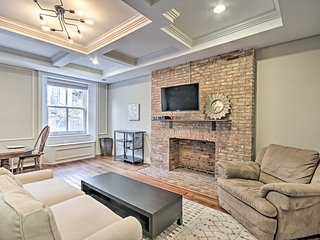 NEW! Historic Mt Vernon Apt, Walk to Cafes/Museums