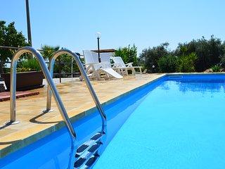 Nice villa with swimming-pool