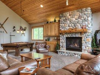 Fabulous Luxury 6 Bdrms Lodge w/ 4 Mstr King Suites, Pool Table & SHARC Passes
