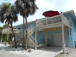 Manasota Key Condo short walk to Private Beach access! Private deck