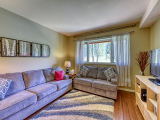 NEW LISTING! Spacious mountain home near dining/shopping, bus to slopes!