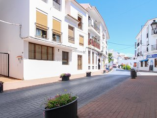 Charming apartment near the beach, shops, dining, town center