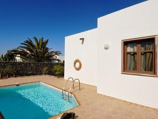 Lovely villa w/ private pool, garden & terrace!