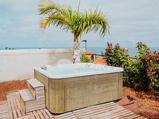Cozy house w/ free wifi,  garden, jacuzzi & lovely views!