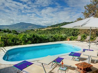 Patrignone Villa Sleeps 6 with Pool and WiFi - 5604820