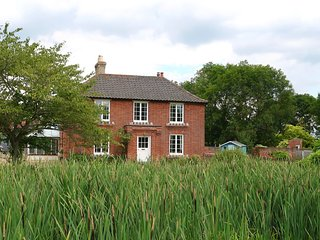 The Farmhouse at Partridge Lodge - Friends and Family Luxury Self Catering Accom