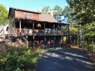Dew Drop Inn- Blue Ridge Cabin Rental