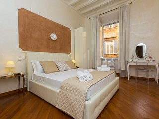 NEW! Lovely home near Trevi Fountain