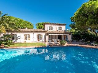 209523 villa, panoramic sea view, 4 aircon bedrooms, 4 bathrooms, heated pool