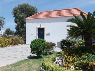 Pebble. A lovely villa with large pool & spa, gorgeous sea views.