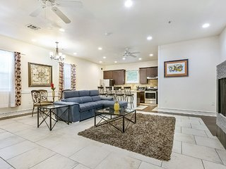 Gorgeous 3BR Condo steps from St Charles Ave