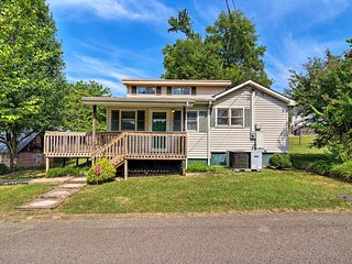 NEW! Knoxville Home ~7 Miles to Univ. of Tennessee
