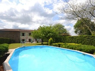 La Grange Souris. Montemboeuf holiday gite rental with private pool
