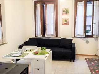 1 bedroom Apartment with WiFi and Walk to Beach & Shops - 5813539