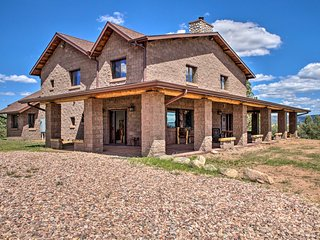 Expansive Home in Tonto NF w/ Fire Pit & BBQ!