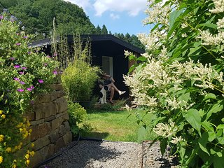 Tiny house in beautiful garden with swimming pond, 20 min. to Cologne