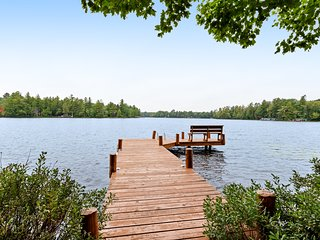 Lakefront home on private peninsula w/ 2 piers & lovely water views - 2 dogs OK!