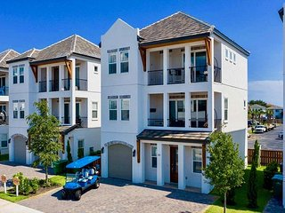 Serenity Retreat ~ Luxe Beach House with 6 seat Golf Cart ~ FREE Parasailing