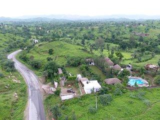 Round Bhunga Hut O