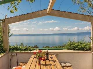 Nice home in Podgora w/ WiFi and 1 Bedrooms