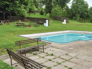 Amazing apartment in Mala Morava w/ Outdoor swimming pool, WiFi and 2 Bedrooms