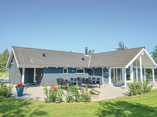 Awesome home in Vaeggerlose w/ Sauna, WiFi and 4 Bedrooms (K13800)