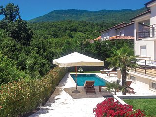 Amazing home in Bregi w/ WiFi and 4 Bedrooms (CKO821)