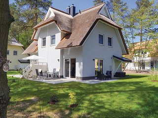Amazing home in Zirchow/Usedom w/ Sauna, WiFi and 2 Bedrooms