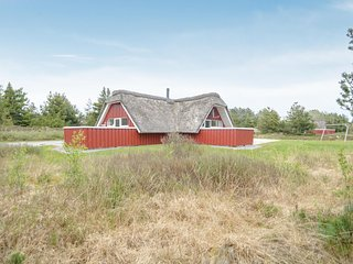 Nice home in Rømø w/ Sauna and 4 Bedrooms (R10847)