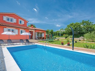 Nice home in Labin w/ WiFi and 3 Bedrooms