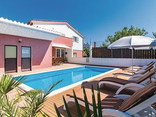 Nice home in Pomer w/ WiFi and 3 Bedrooms