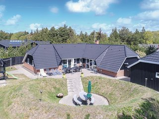 Amazing home in Blåvand w/ Sauna, WiFi and 4 Bedrooms (P32258)