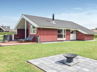 Beautiful home in Juelsminde w/ Sauna, 3 Bedrooms and WiFi