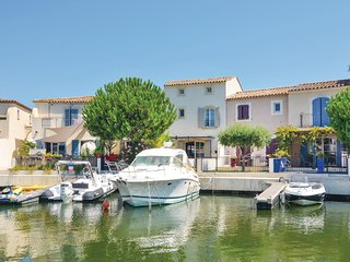 Awesome home in Aigues-Mortes w/ 3 Bedrooms