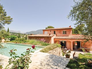 Beautiful home in Le Rouret w/ WiFi and 4 Bedrooms