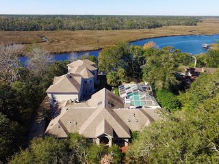 One of a kind Waterfront Private Getaway!