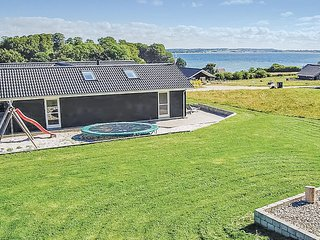 Stunning home in Haderslev w/ Sauna, WiFi and 4 Bedrooms