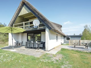 Awesome home in Rømø w/ WiFi and 4 Bedrooms (R10672)