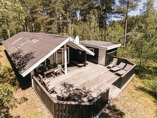 Amazing home in Aakirkeby w/ Sauna, WiFi and 3 Bedrooms (I52601)