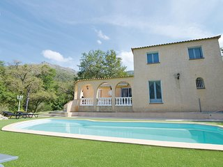 Stunning home in Ville di Paraso w/ WiFi and 1 Bedrooms (FKO329)