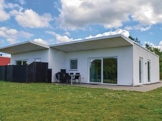 Nice home in Ringkøbing w/ WiFi and 2 Bedrooms
