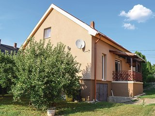 Amazing home in Köröshegy w/ WiFi and 4 Bedrooms